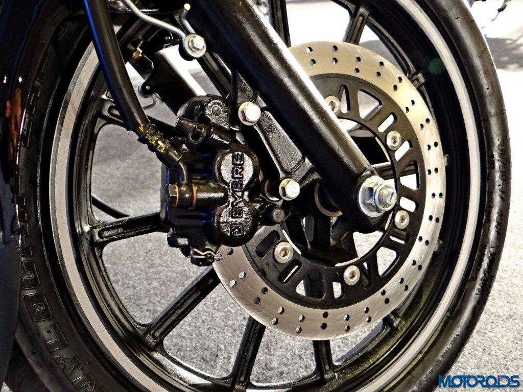 2015 Bajaj Avenger 220 Street - Front Disc Brake (2)