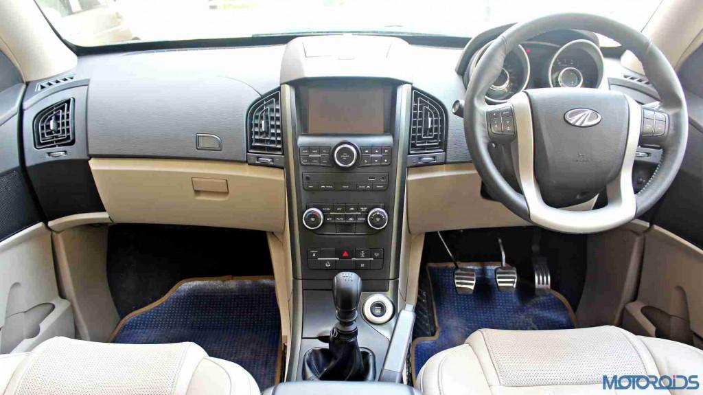 2015 Mahindra XUV500 interiors (50)