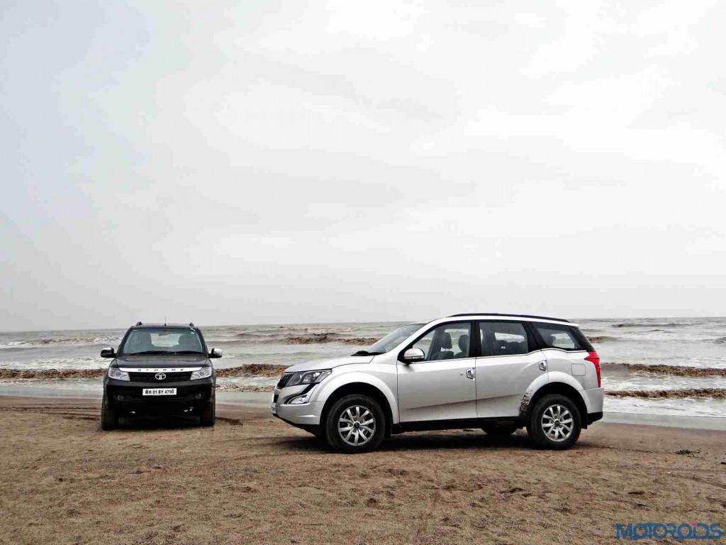 2015 Mahindra XUV500 vs 2015 Tata Safari (17)