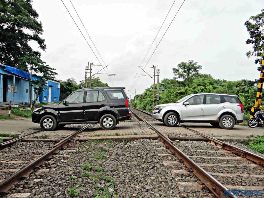 2015 Mahindra XUV500 vs 2015 Tata Safari (9)