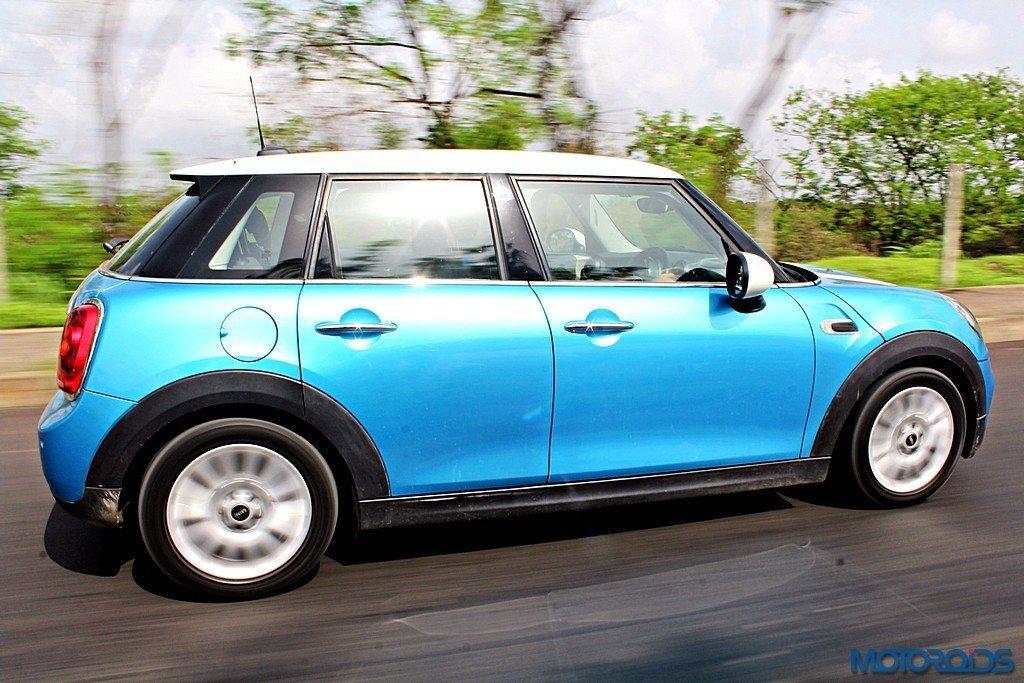 2015 Mini Cooper D 5-door (1)