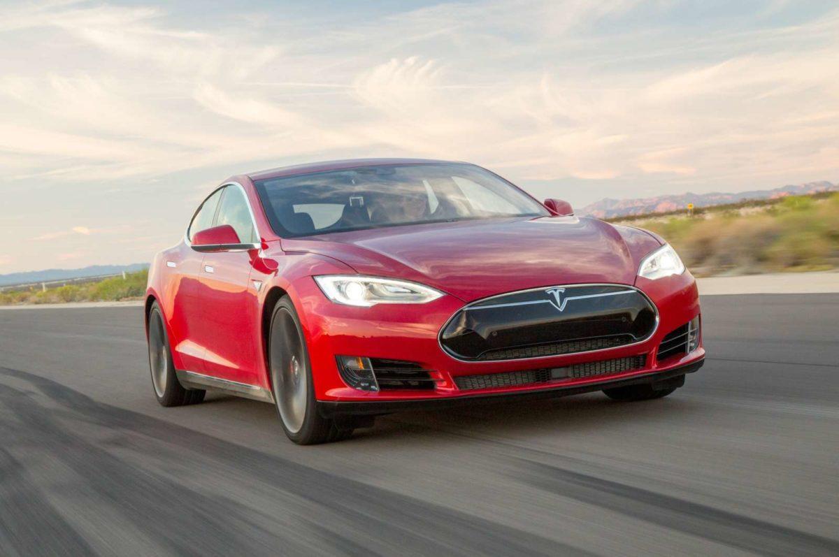 2015 Tesla Model S P90D wLudicrous (17)