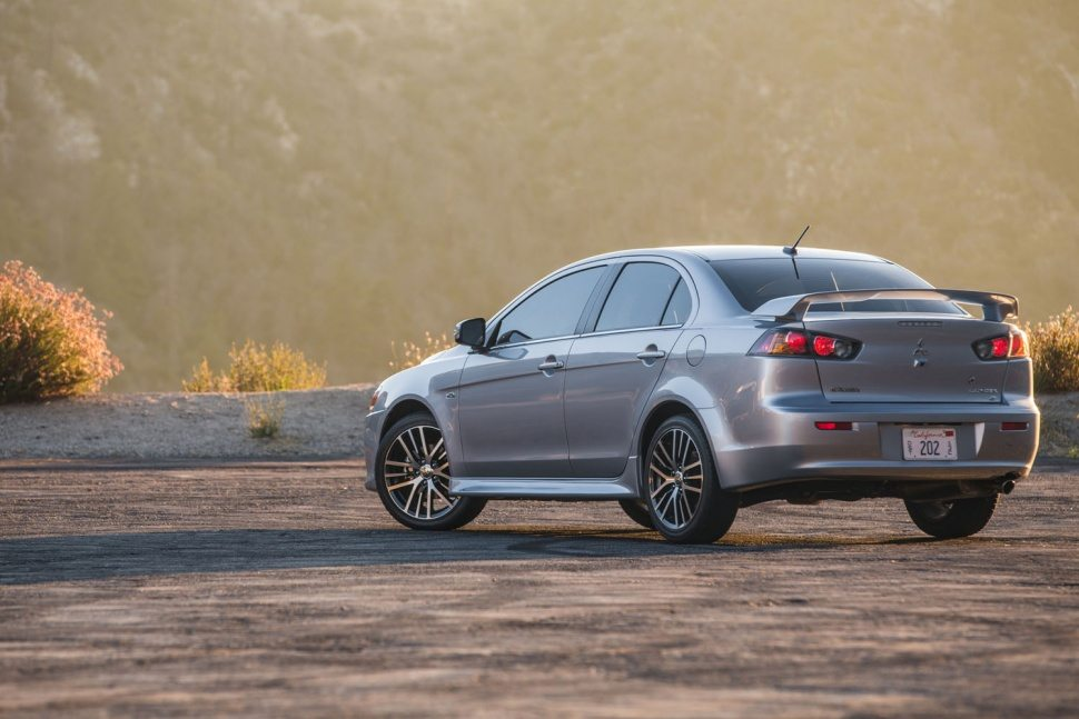 2016 Mitsubishi Lancer gets new look and standard features, loses Ralliart | Motoroids