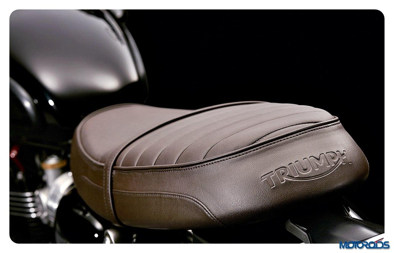 Bonneville_T120_Black_Details_Seat