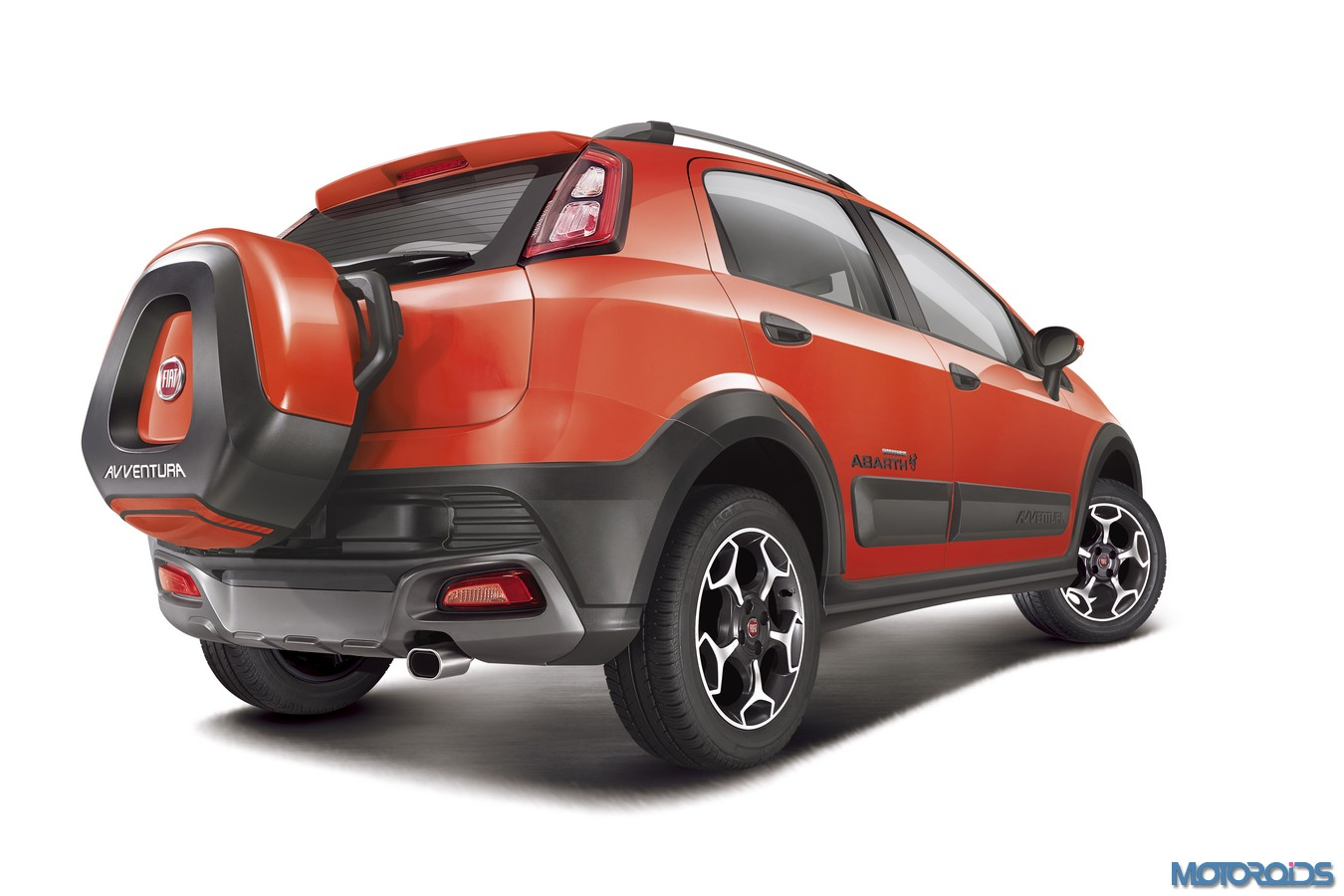 Fiat Avventura Powered By Abarth Launched At Inr 9 95 Lakh