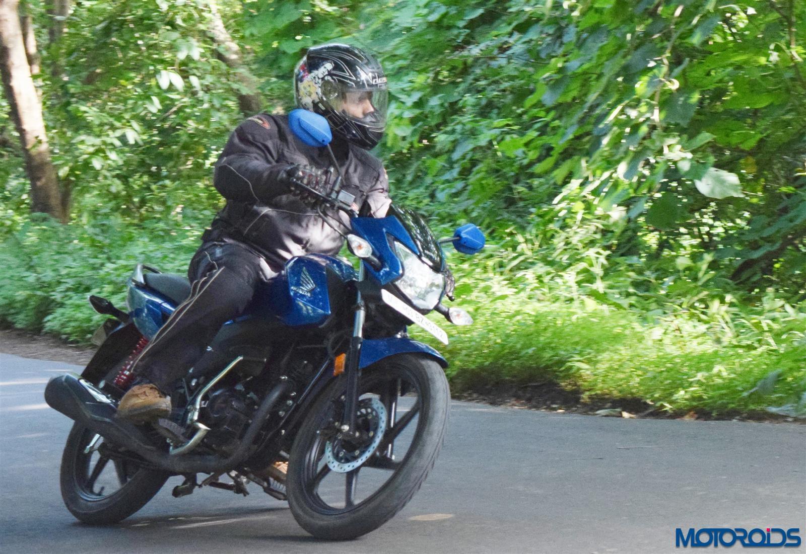 Honda Livo cornering (13)