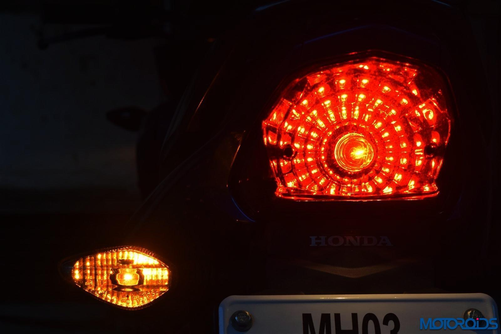 Honda Livo tail lamp (52)
