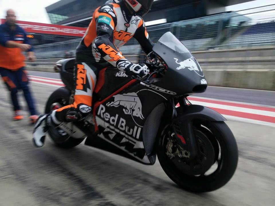 VIDEO: KTM RC16 MotoGP motorcycle prototype revealed | Motoroids