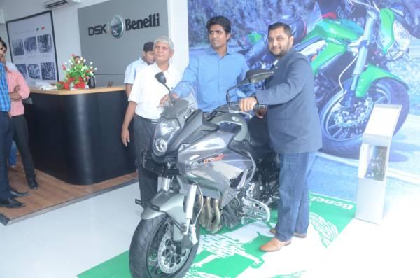 (L-R) Mr. Ashish Chaudhari, Director, Green Valley Motor Wheels and Mr. Shirish Kulkarni, Chairman, DSK Motowheels