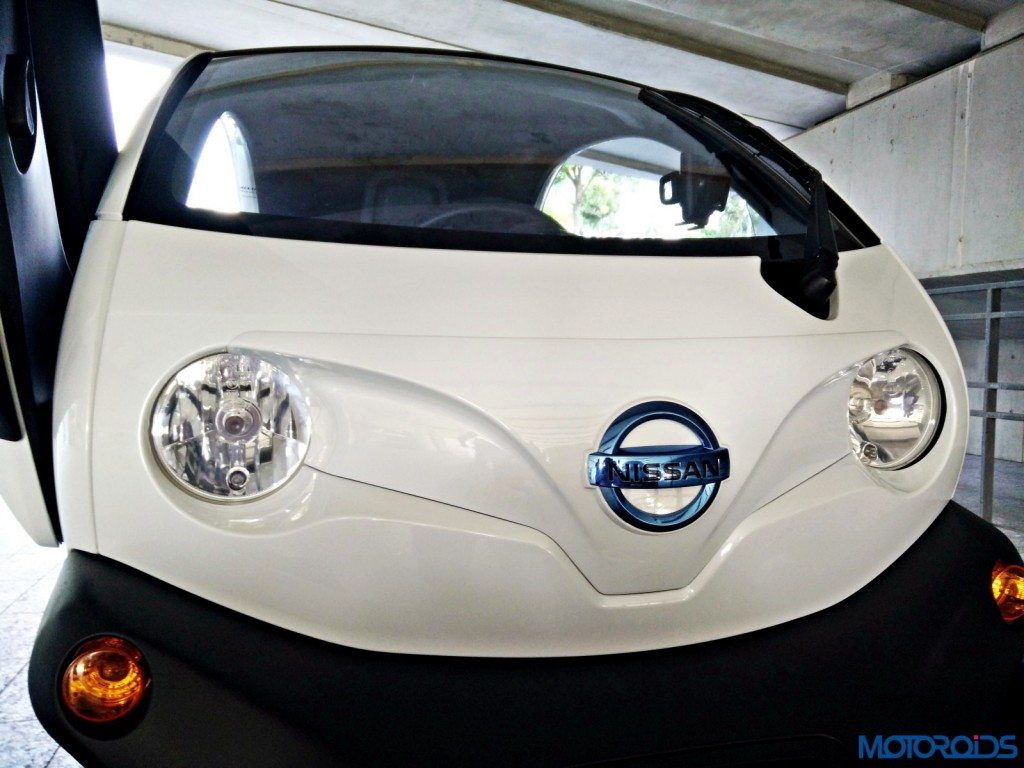 Nissan New Mobility Concept front
