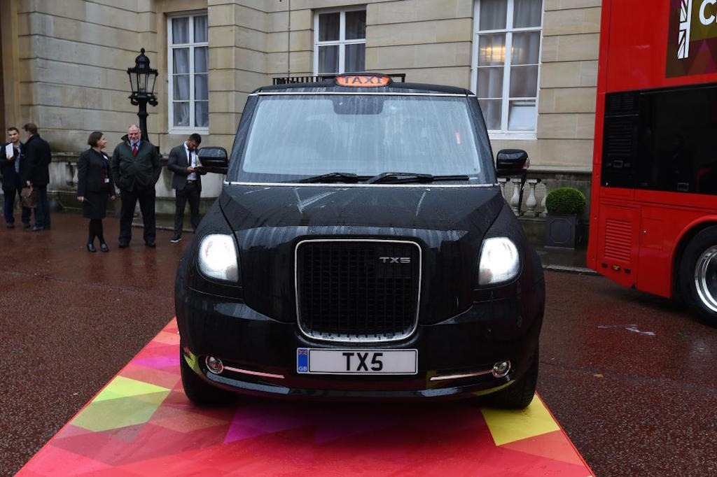 Cabs In Austin >> New generation London Taxi [ TX5 ] unveiled, features hybrid drivetrain | Motoroids