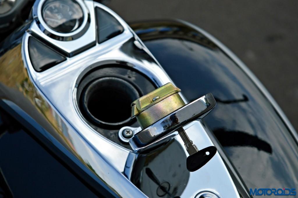 2015 Bajaj Avenger 220 Cruise - Detail Shots - Fuel Tank (3)