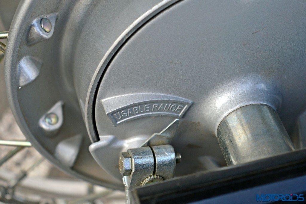 2015 Bajaj Avenger 220 Cruise - Detail Shots - Rear Brake