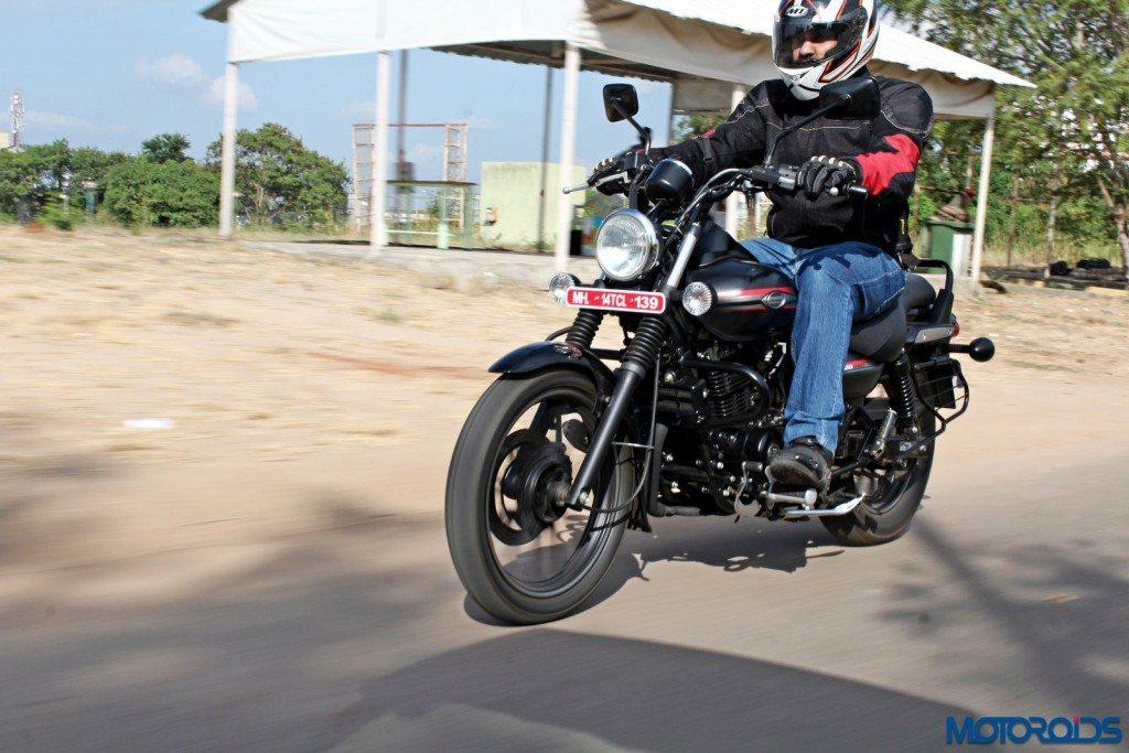 2015 Bajaj Avenger 220 Street - Action Shots (30)