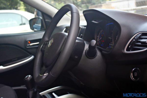 2015 Maruti Suzuki Baleno adjustable steering column (2)