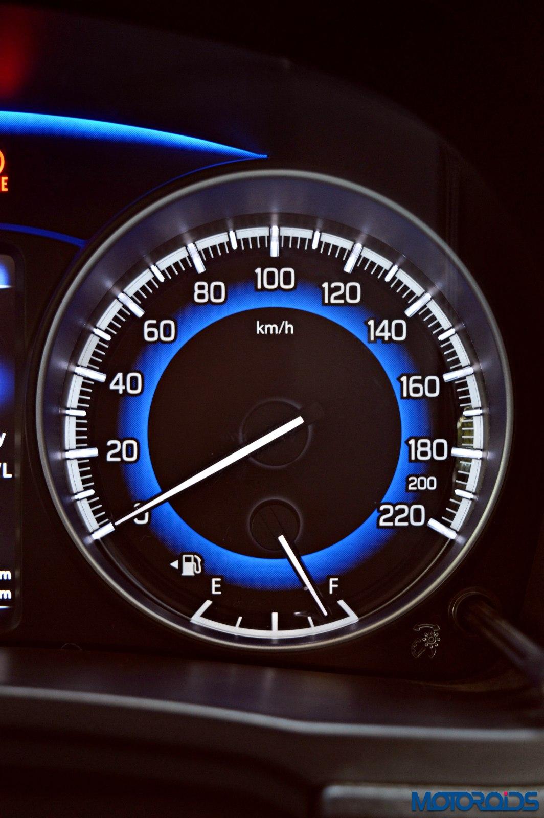 2015-Maruti-Suzuki-Baleno-speedometer