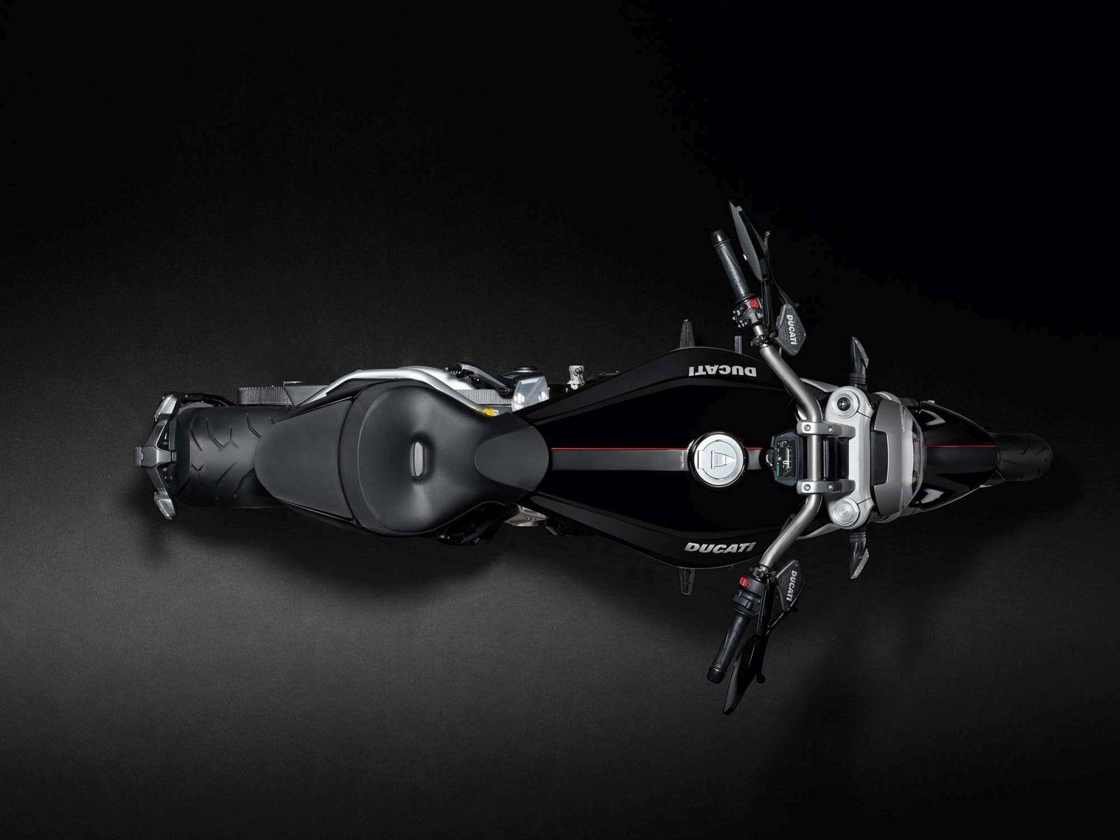 2016 Ducati XDiavel (13)