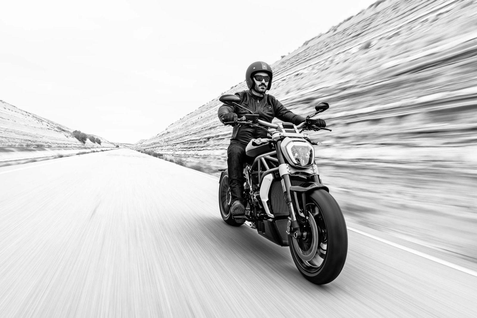 2016 Ducati XDiavel (7)