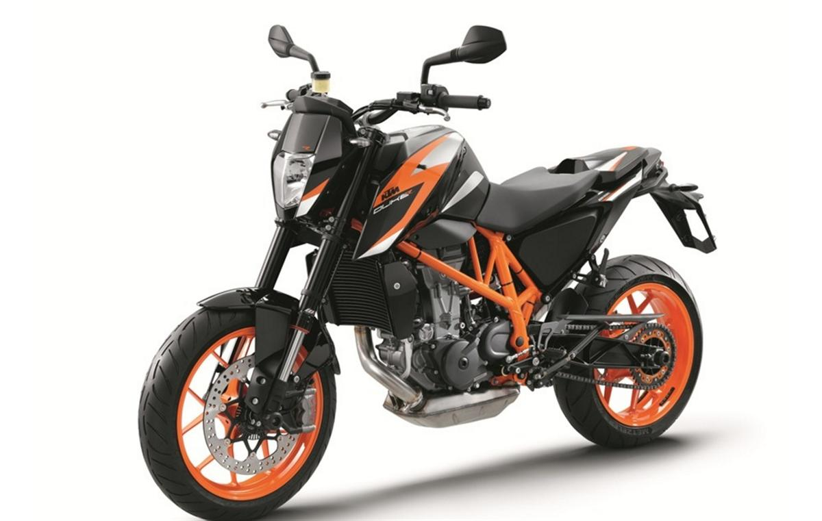 eicma 2015 2016 ktm 690 and ktm 690r unveiled motoroids. Black Bedroom Furniture Sets. Home Design Ideas