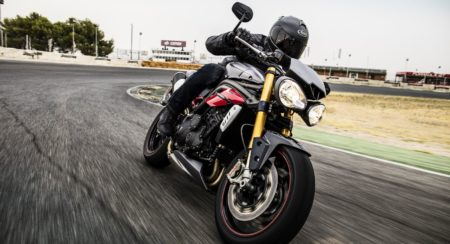 2016 Triumph Speed Triple Series - Official Images - 1