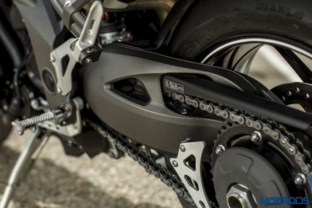 2016 Triumph Speed Triple Series - Official Images - 20 - Swingarm