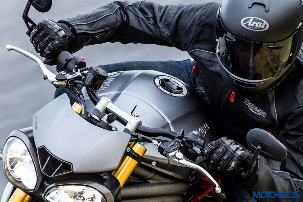 2016 Triumph Speed Triple Series - Official Images - 3
