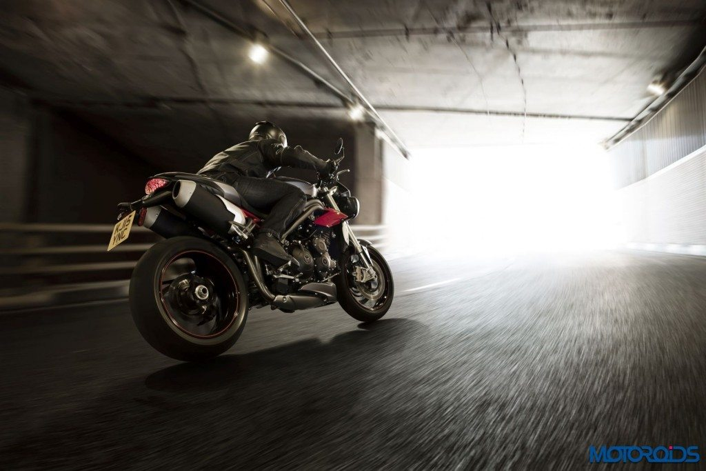 2016 Triumph Speed Triple Series - Official Images - 6