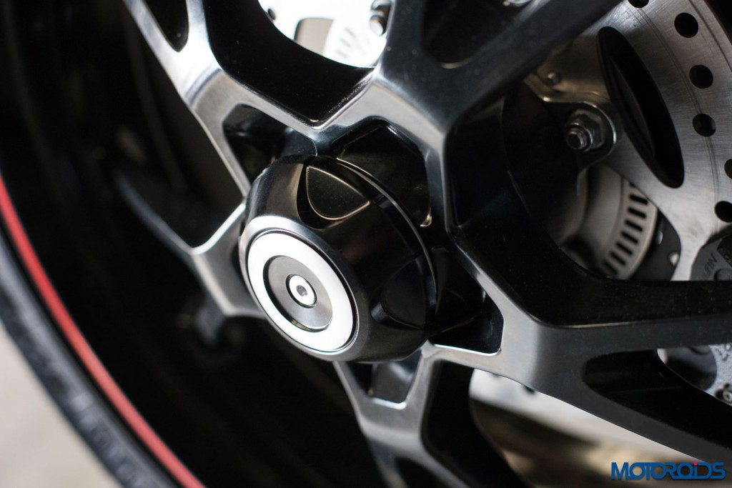 2016 Triumph Speed Triple Series - Official Images - 9 - Rear Wheel