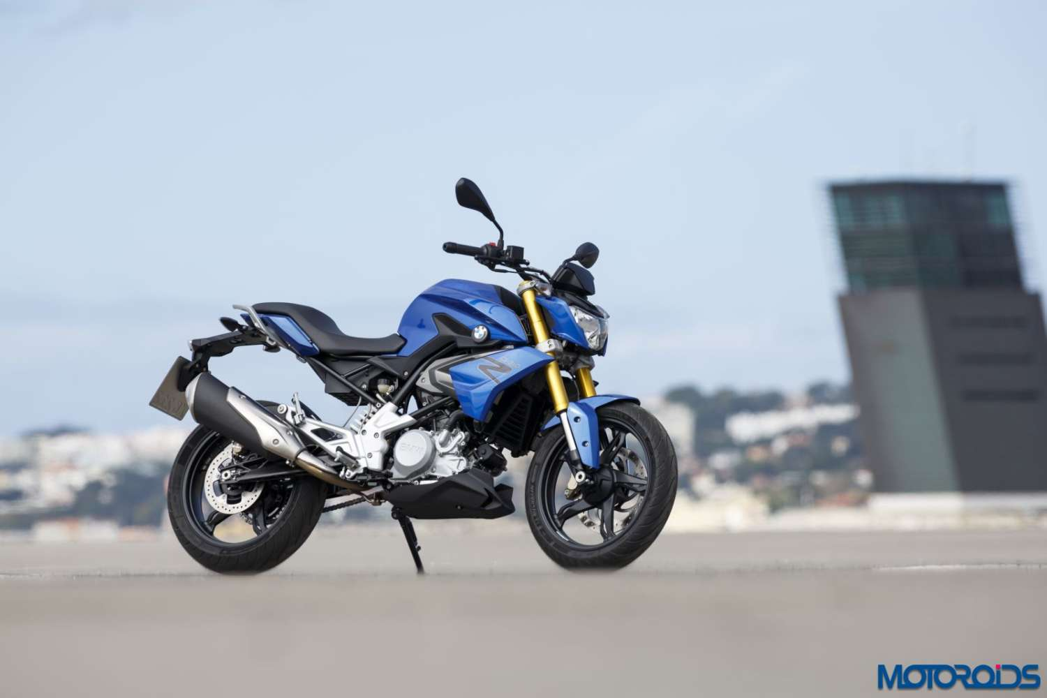 official bmw g310r india launch in october 2016 may be priced between inr 2 5 3 0 lakh. Black Bedroom Furniture Sets. Home Design Ideas