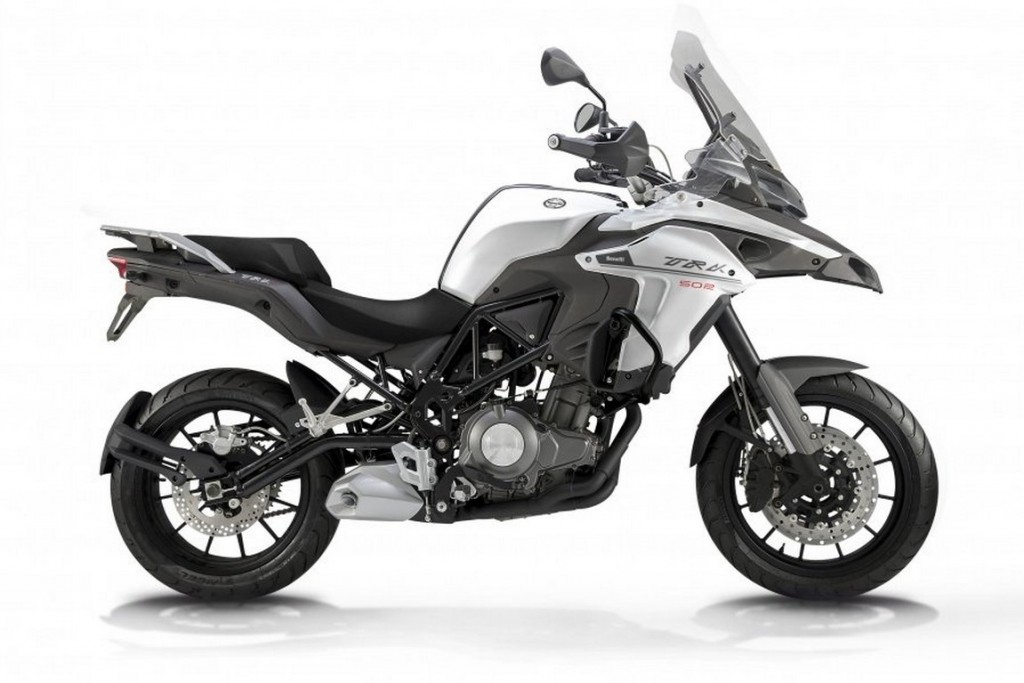 Benelli-Trek-502 - Unveiled at EICMA 2015