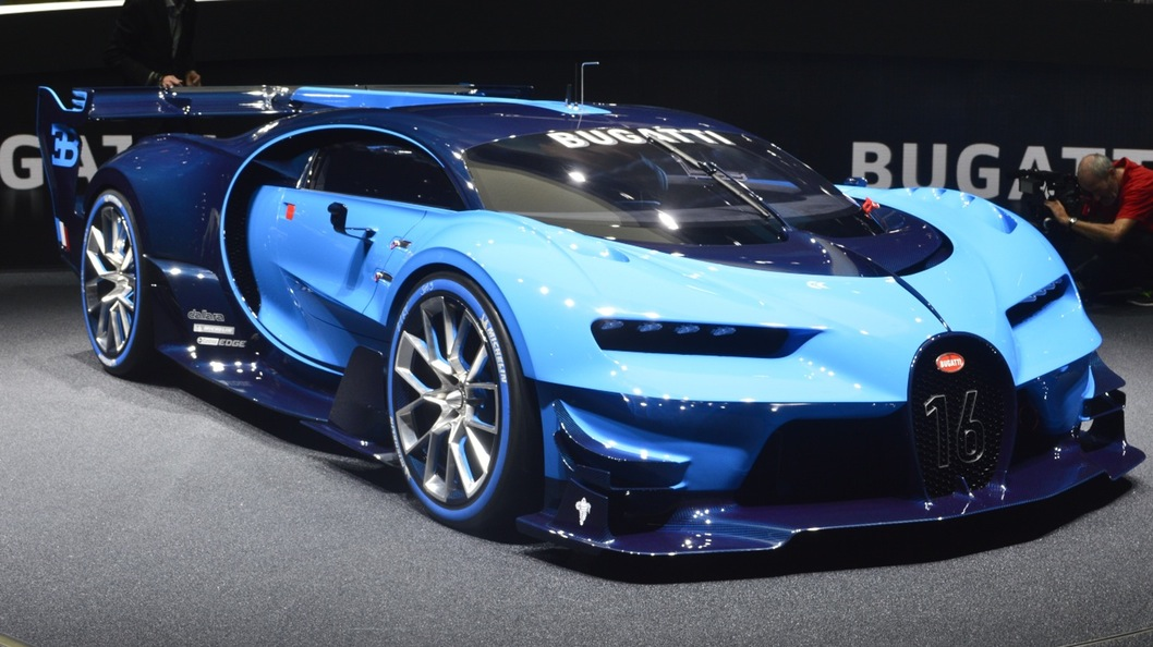 Video 1500bhp Bugatti Chiron Test Mule Spotted Crawling