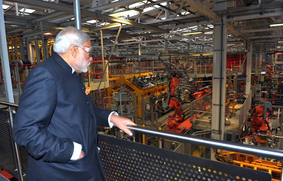 Narendra Modi visits Jaguar Land Rover plant in UK (4)