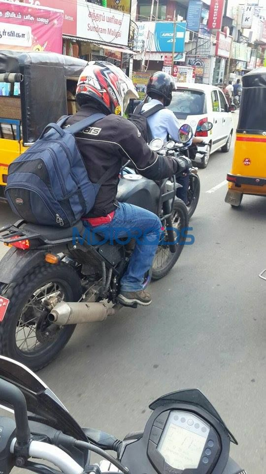 Royal Enfield Himalayan Spotted - Almost Production Ready (5)