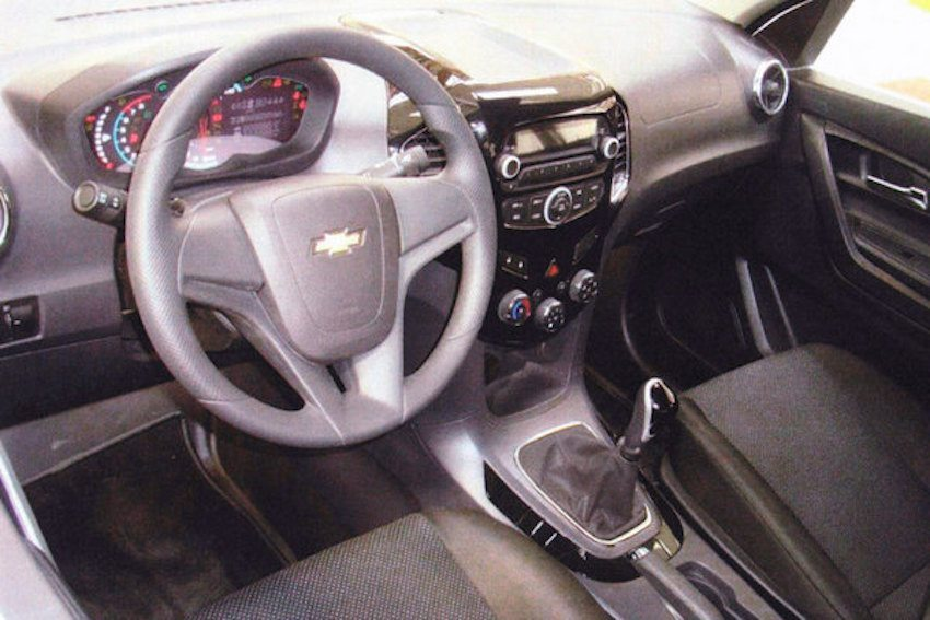 2016-Chevrolet-Niva-interiors