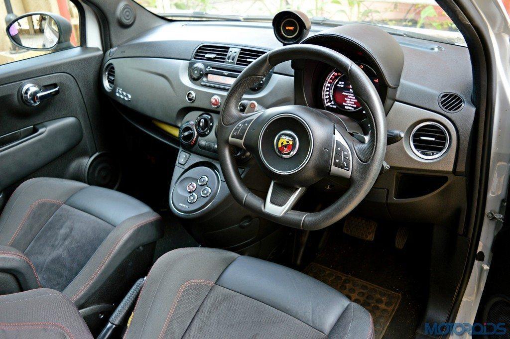 Abarth 595 Competizione Dashboard (2)