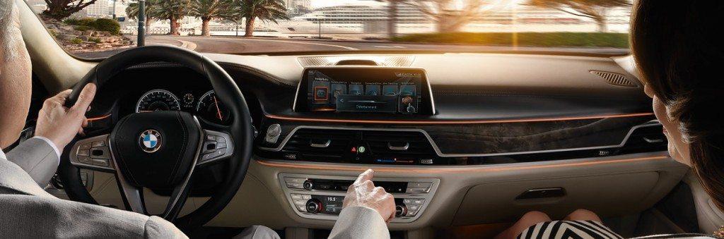 BMW 7 Series Gesture Control (1)
