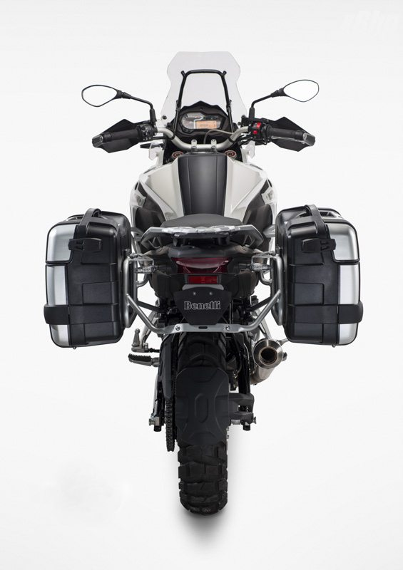 Benelli-Trek-502-Unveiled-at-EICMA-2015-2