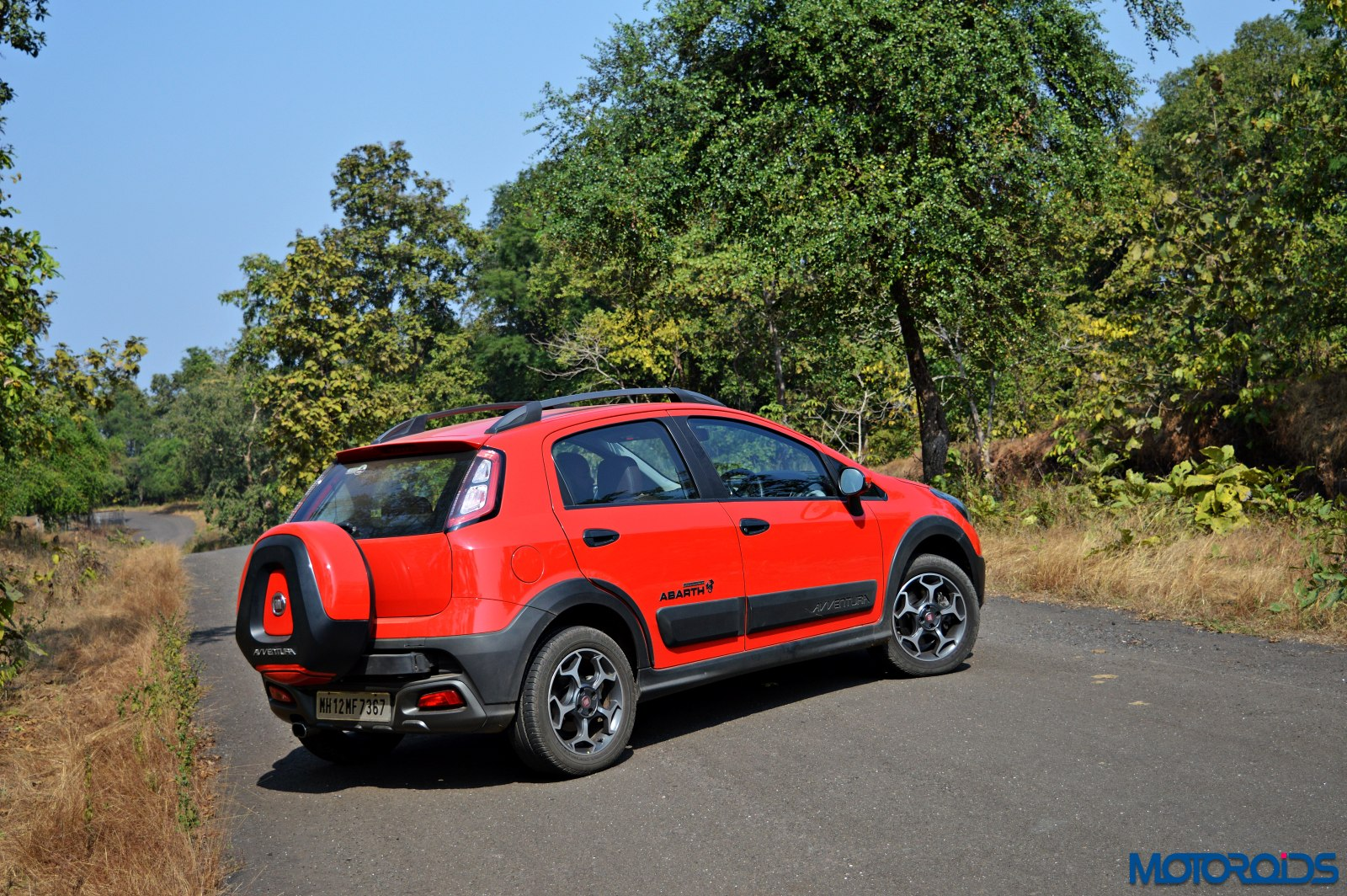 Fiat Avventura Powered By Abarth 1 4 T Jet Review Low