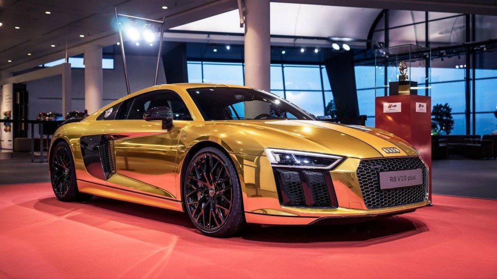 Gold Audi R8 V10 Plus (1)