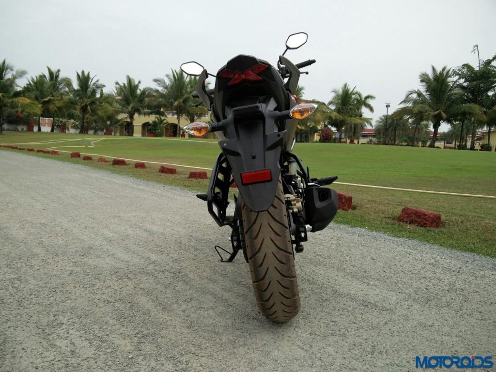 Honda CB Hornet 160R (rear)