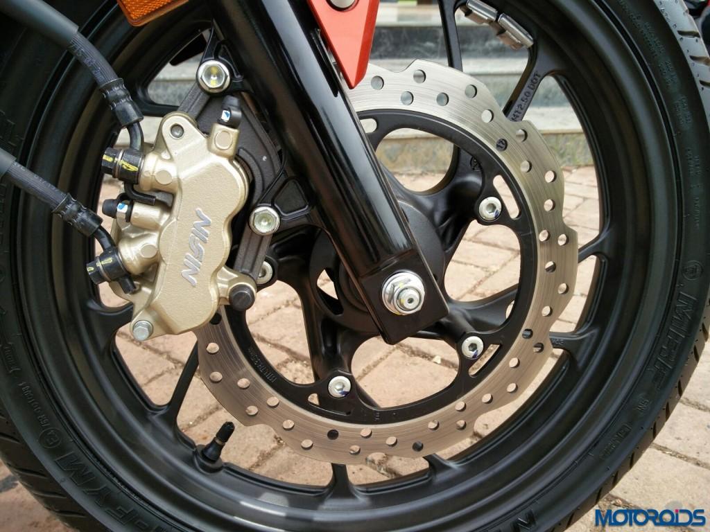 3 pot front disc brake by Nissin on the Honda CB Hornet 160R (18)