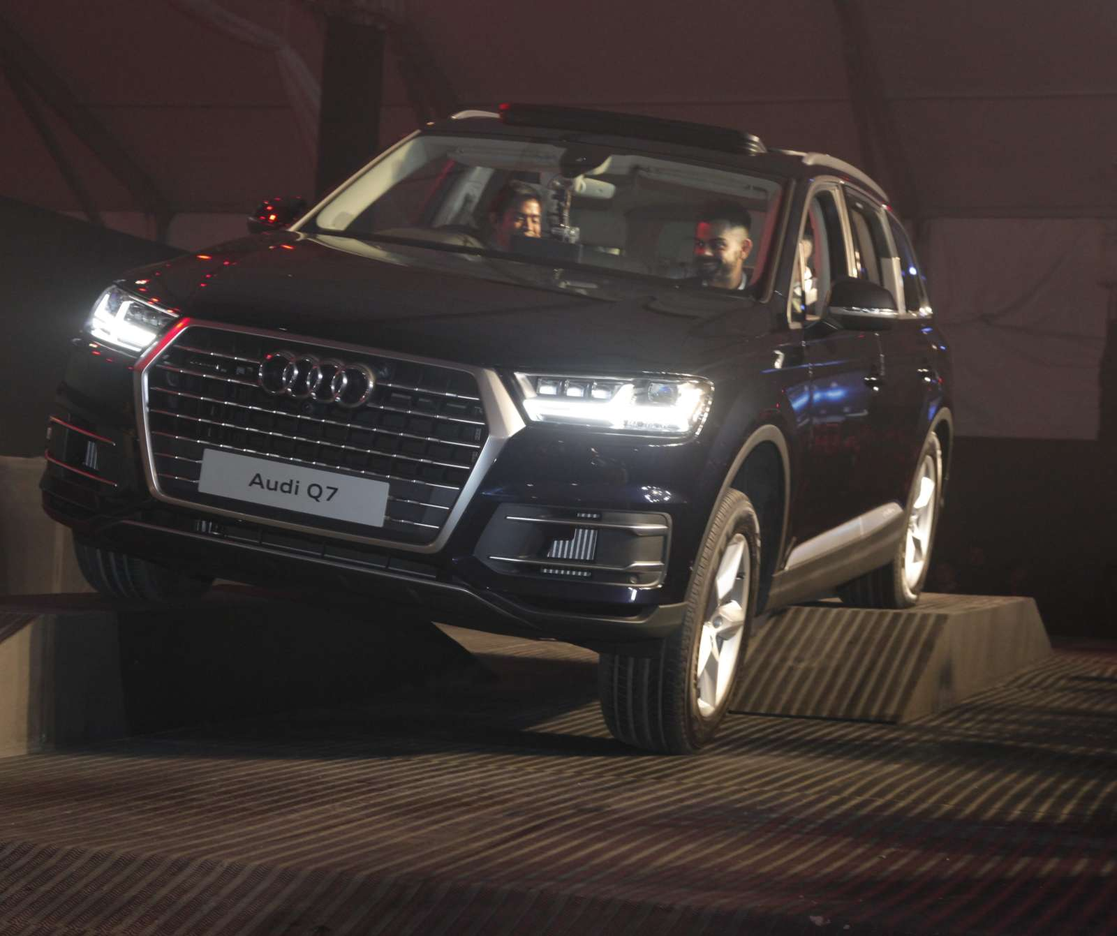 2016 Audi Q7 Launched In India Prices Start At Inr 72