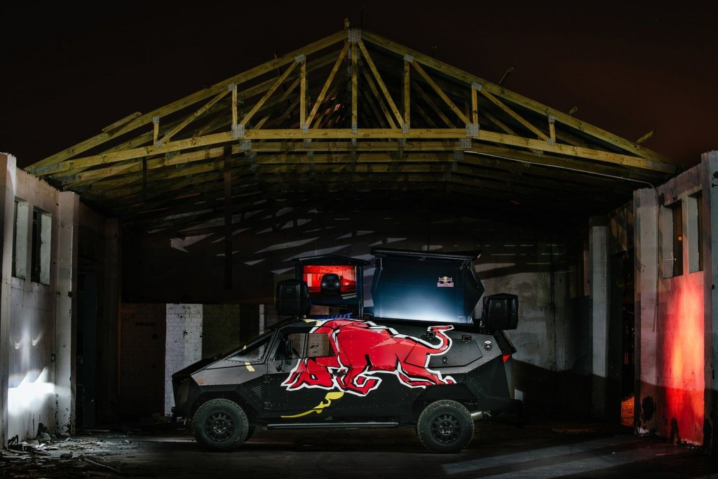 Red Bull Armoured Party Truck - 9