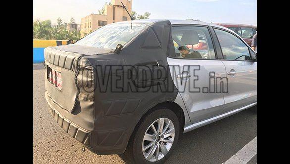 Volkswagen-small-car-11-2Volkswagen Ameo