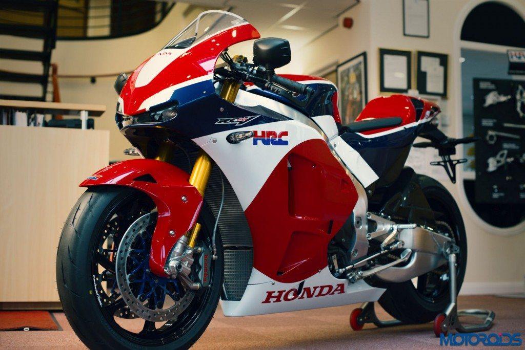 Worlds First Honda RC213V-S Delivered (4)