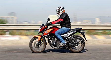 2016 Honda CB Hornet 160R Review: Muscular Melody