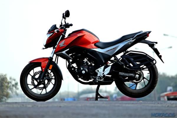 2016-Honda-CB-Hornet-160R-72-600x400
