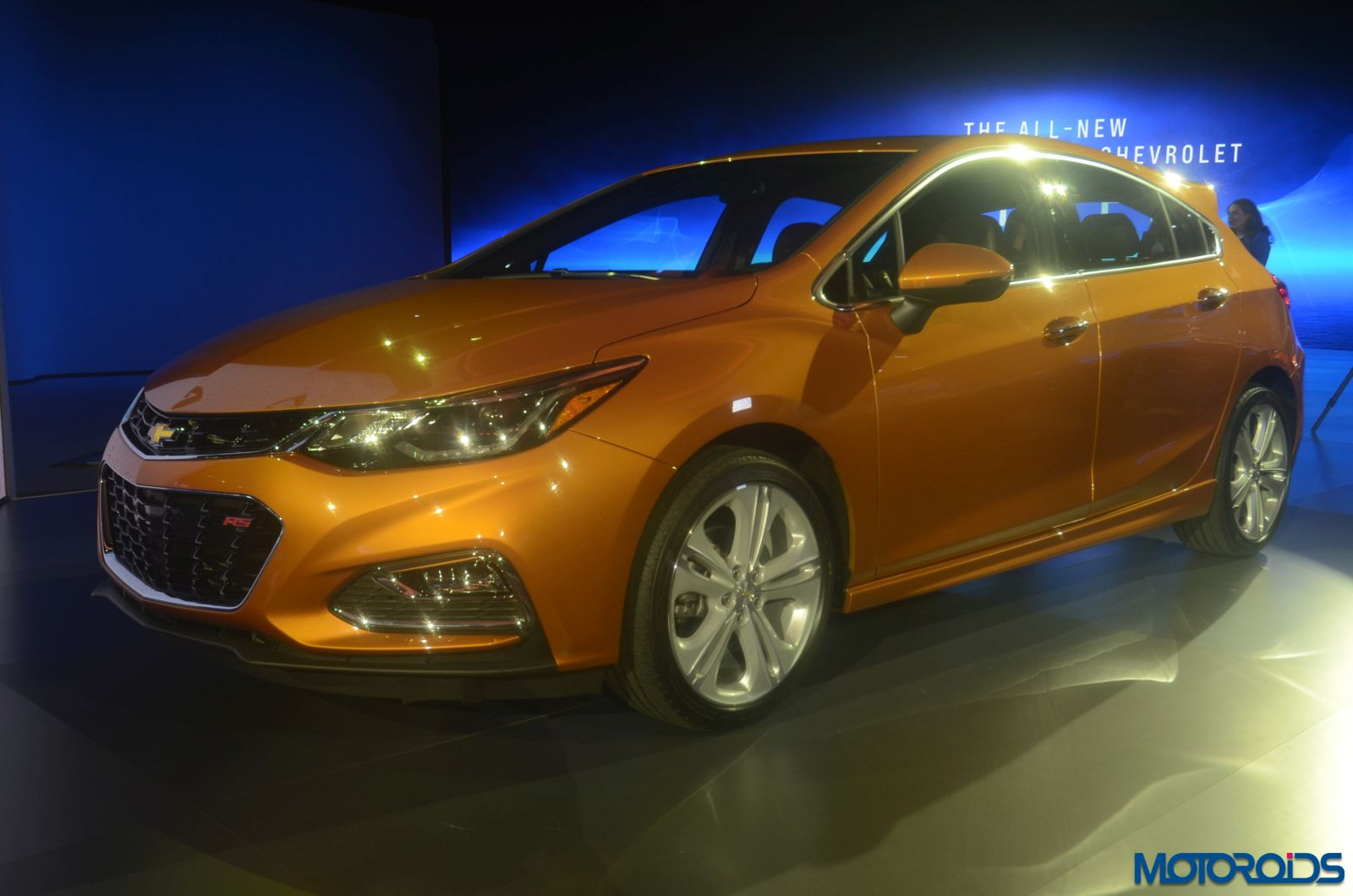 2017 Chevrolet Cruze Hatchback side profile 2
