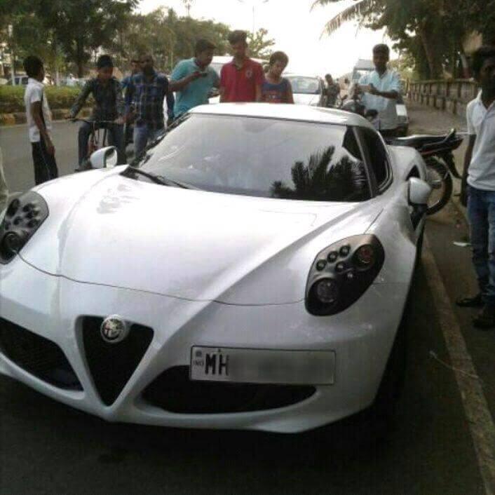 Alfa Romeo 4C Mumbai (2)
