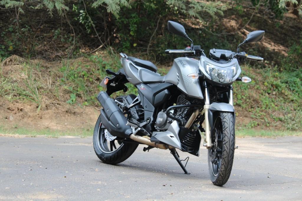 Apache 200 (11)